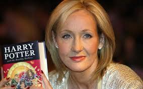 J. K. Rowling, autora de la exitosa saga juvenil Harry Potter