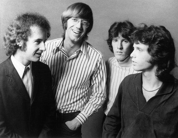 Los cuatro integrantes de The Doors, a finales de los sesenta. De izquierda a derecha: Robby Krieger, Ray Manzarek, John Densmore y Jim Morrison