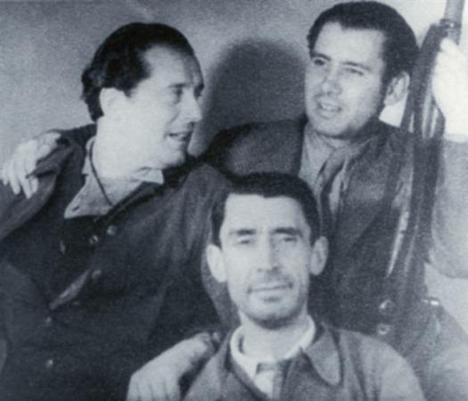 Rafael Alberti junto a Manuel Altolaguirre y José Bergamín (abajo) durante la Guerra Civil española