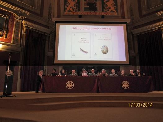 Leyendo en el Salón de Actos del Ateneo de Madrid