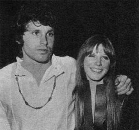 Jim Morrison y Pamela Courson en 1967