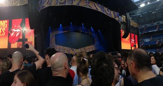 El escenario del Bernabeu, momentos antes de producirse la llegada de los Rolling Stones