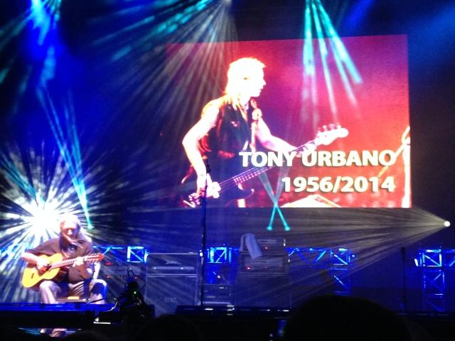 Homenaje a Tony Urbano