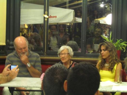 El momento más emotivo del acto: Leonor Machado recitando poemas de su padre y tíos: Manuel, Antonio y Francisco