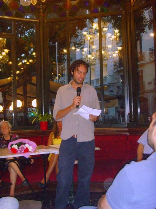 Alberto Guirao recitando