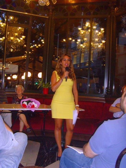 Marina Casado recitando