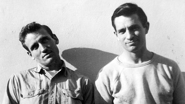 Neal Cassady y Jack Kerouac, las personas reales que se ocultaban tras los personajes de Dean Moriarty y Sal Paradise, en 1952