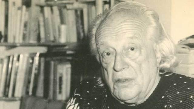 El poeta Rafael Alberti en la década de los 90