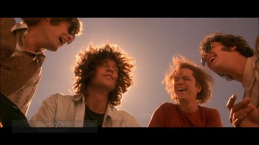 Fotograma de la película. De izquierda a derecha, los personajes de John Densmore, Jim Morrison, Robby Krieger y Ray Manzarek