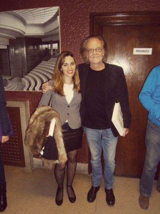Con Luis Eduardo Aute, a la entrada del Paraninfo de la Facultad de Filología de la UCM