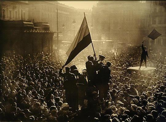 Puerta del Sol (Madrid), 14 de abril de 1931