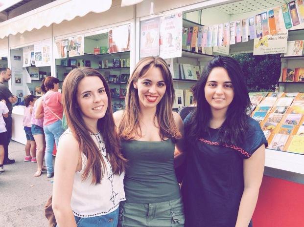 Firmando Los despertares en la Feria del Libro de Madrid 2015