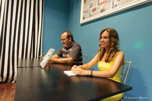 Con Paco Ramos presentando mi poemario