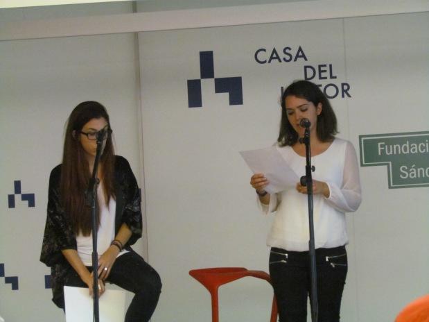 Andrea Toribio y Paula Bozalongo recitando por Carlos Bousoño y Vicente Molina Foix